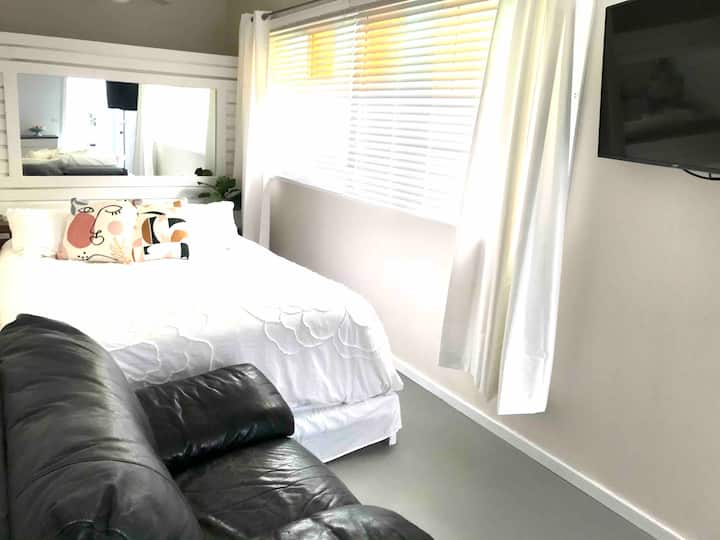 Cosy Freshwater Stay - 5min from Freshwater beach.