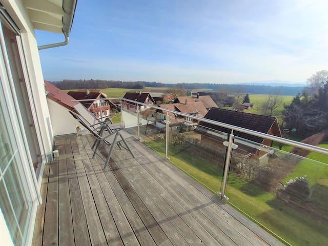 Große idyllische Balkonwohnung Nähe Bodensee