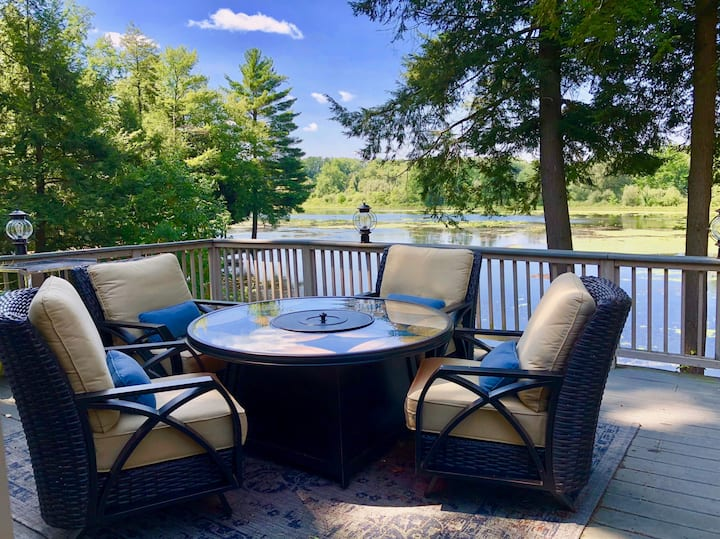 Stunning Lakefront Retreat/2-3 homes/upto30guests