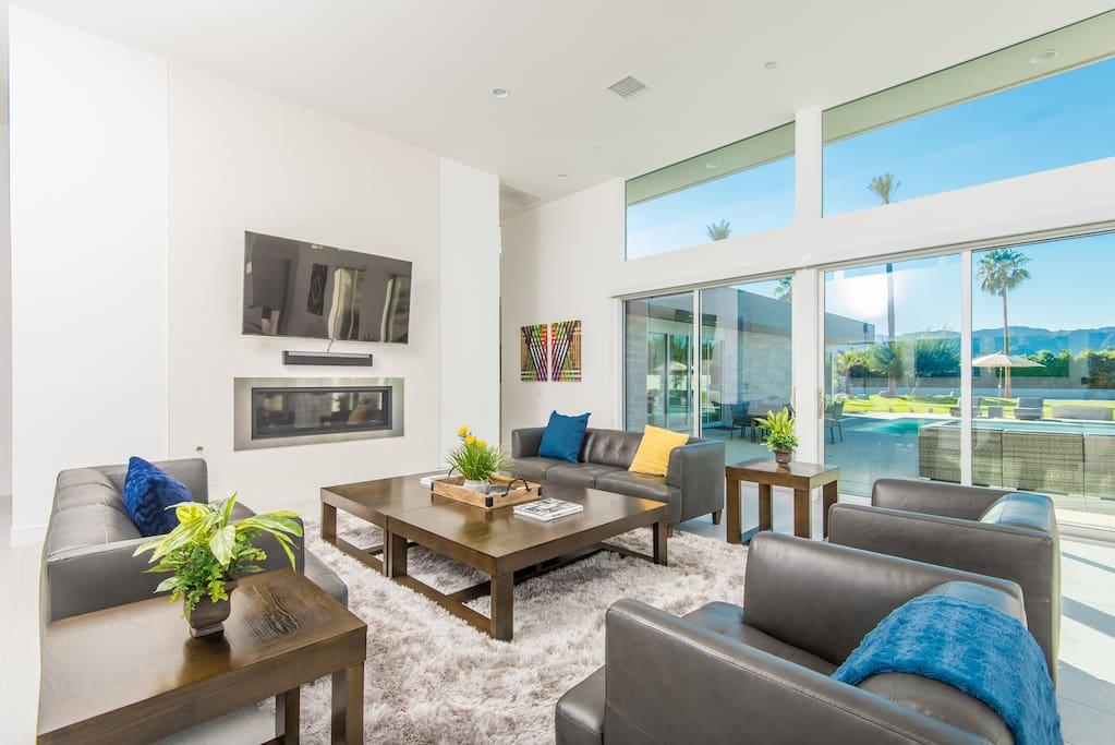 Living Room Furnishings with Flat Screen TV