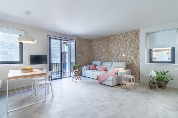 APARTAMENTS JONQUERA (Phone number hidden by Airbnb) ) FIGUERES