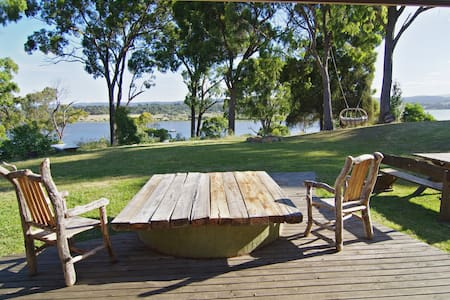Tamar Waterfront Retreat