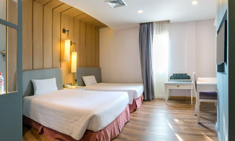 Stylish room near Khaosarn Road + Free Breakfast