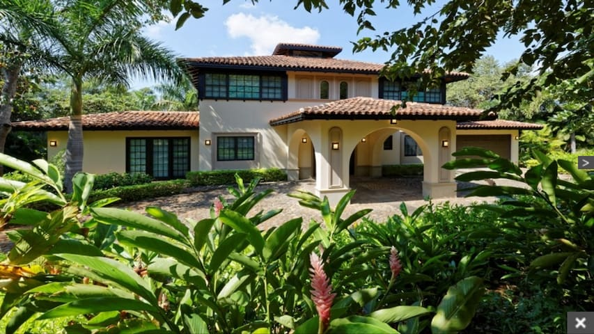 Luxury 4BR Villa in a Beach and Resort Community