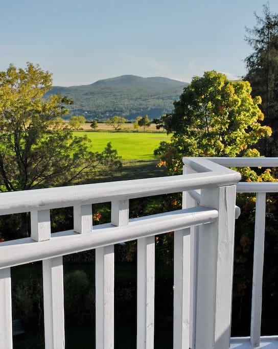 Grand balcon dominant la campagne