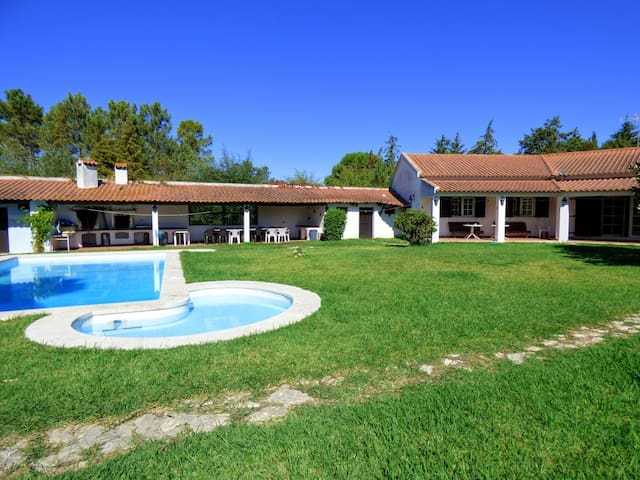 The Vineyard Villa – villa with swimming pool