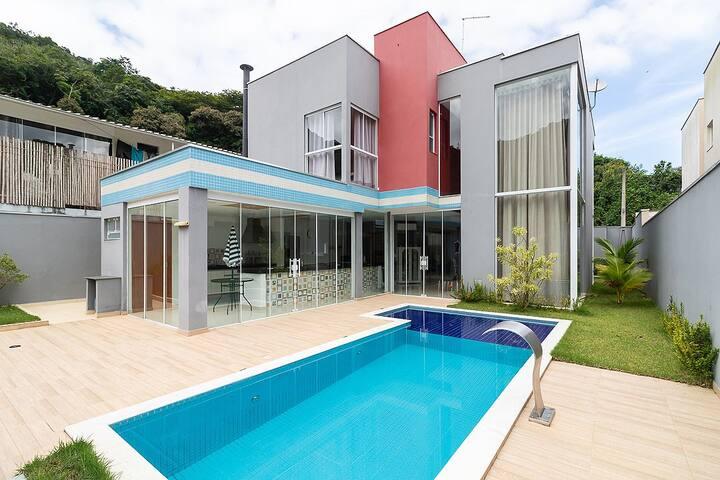 Casa no condomínio Recanto Verde Mar