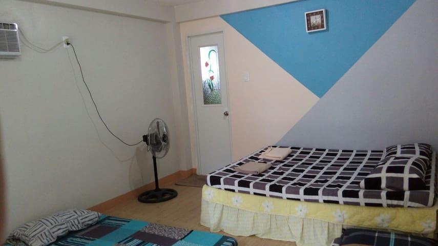 Gerry's inn room 1