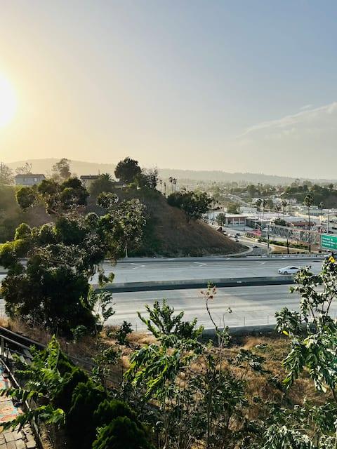 NICE VIEWS Harbor & Palos Verdes Hills I Parking