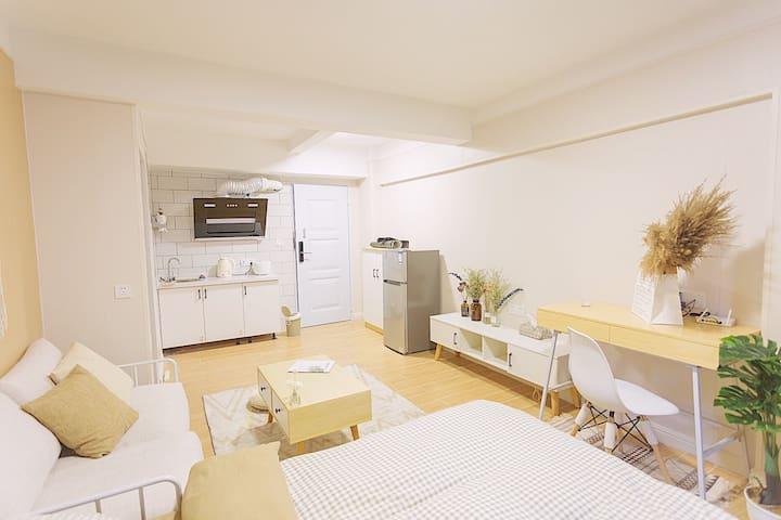 W简 市中心万达「清梦居」舒适简约的和风日式设计大床公寓 可做饭