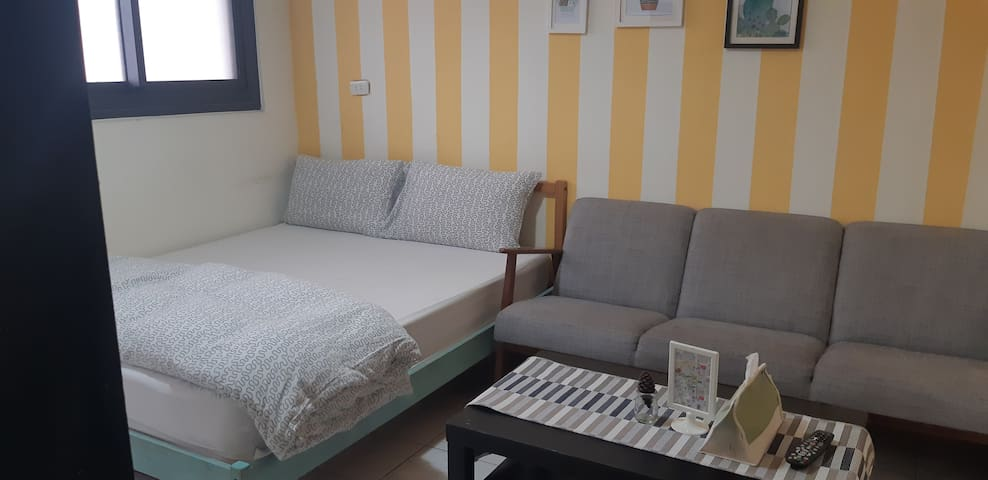 Taichung Fengjia  double En-suite room