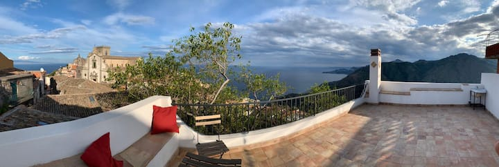 Super Panoramic House close to Taormina
