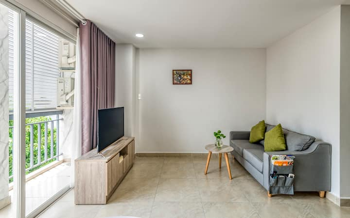 KING BED WITH TERRACE - TAN BINH DISTRICT