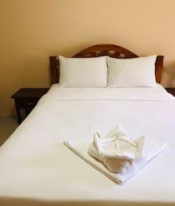 Khao Sok Bed and Breakfast