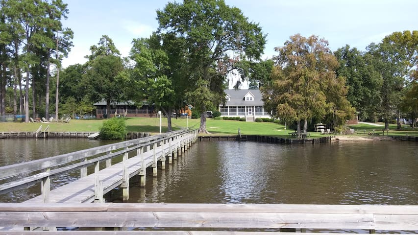 Large House on Lake Marion with Dock - Summerton - House