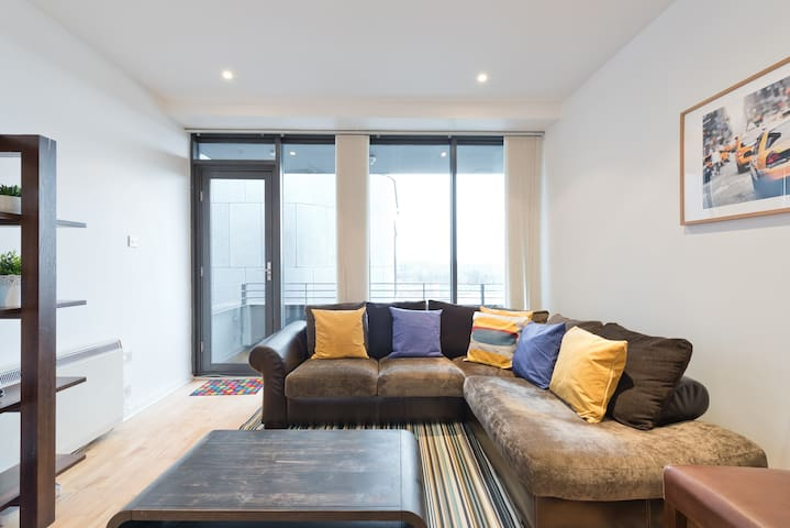 Stunning Penthouse Suite - Walk Everywhere