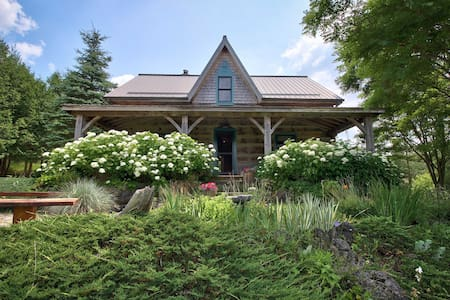 Magical Log Cabin - West Grey - Hus
