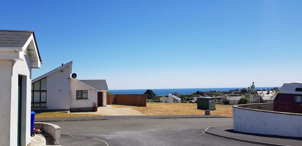 IN VILLAGE Dunmore, SEAVIEW Greenway 15 min drive