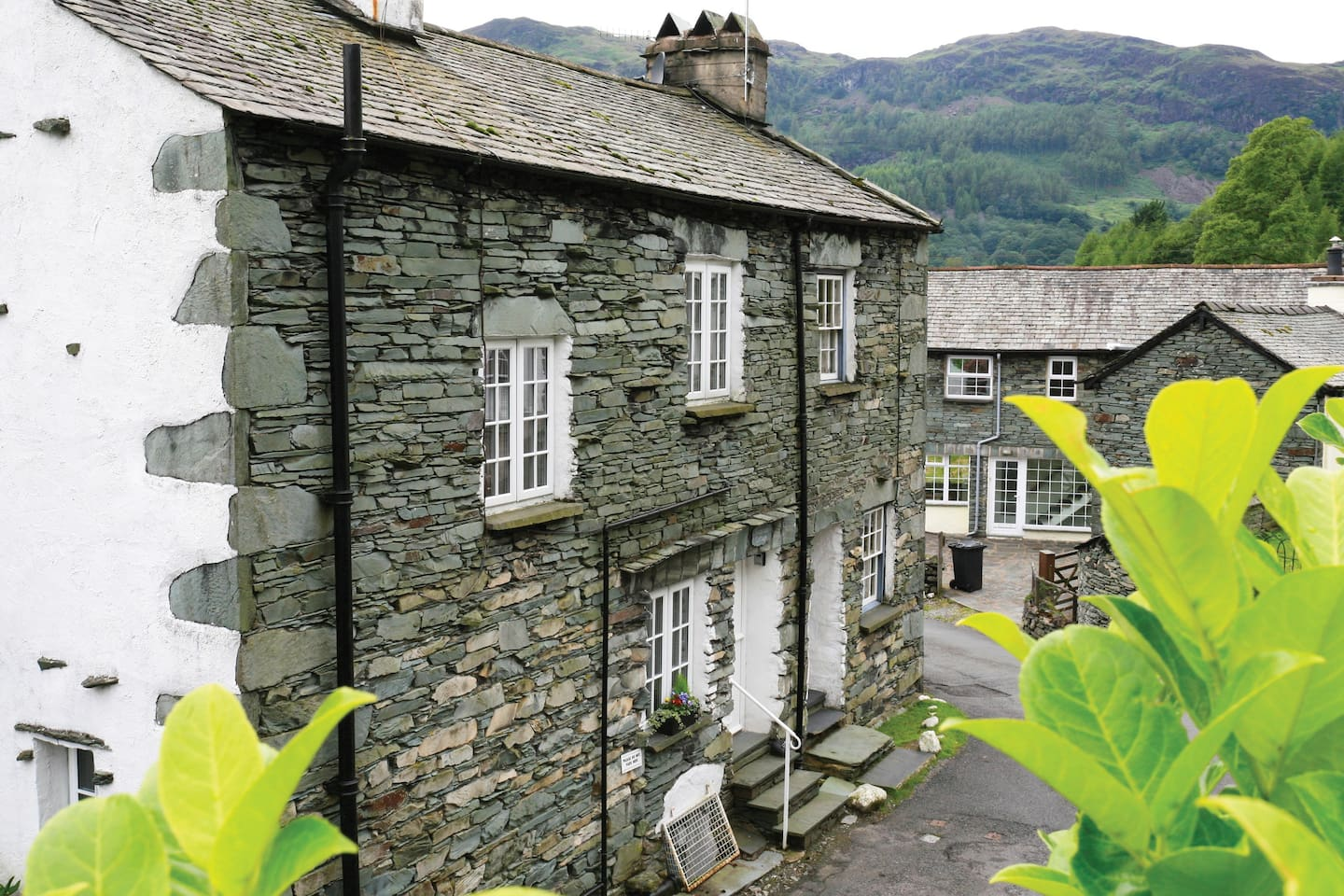 Built in the 1800's as a quarry workers cottage, Fountain Cottage is a Traditional slate built lakeland cottage on 3 levels