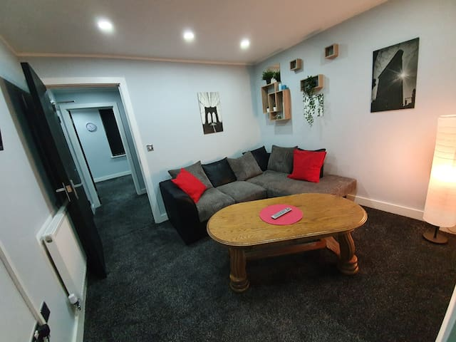 Lovely 1bed apartment UP TO 4 PPL.Central location