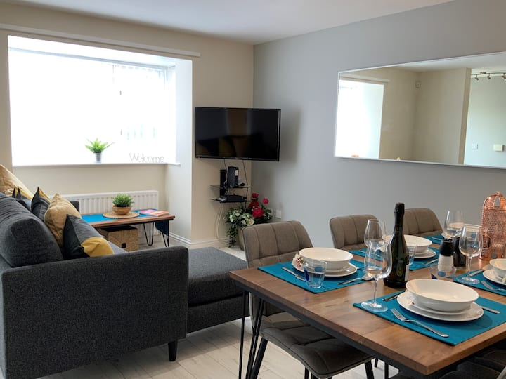 Sumptuous 4-bed townhouse - sleeps 8 in style.