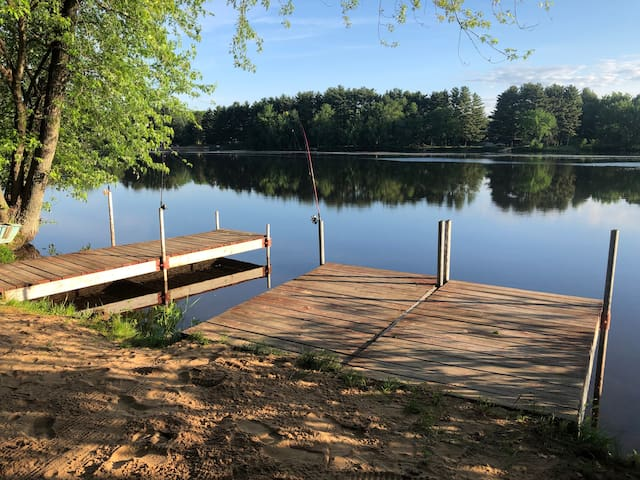 Soaring Pines Lakefront cabin -Private/secluded!