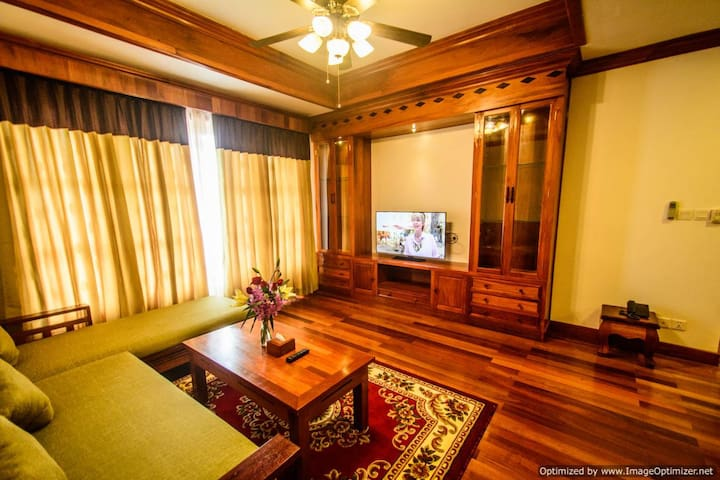 Central Luxury Apartment. Big Kitchen, Pool, Gym! - Krong Siem Reap - Apartment