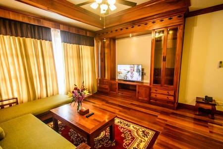 Central Luxury Apartment. Big Kitchen, Pool, Gym! - Krong Siem Reap - Daire