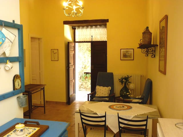Holiday Cilento Antico is a few km from the sea - Stella Cilento - Apartment