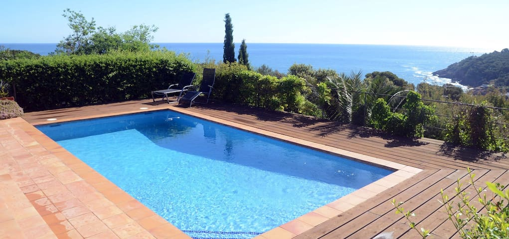 ES RACO-villa with sea views-Sa Riera-Costa Brava - Begur - Huis