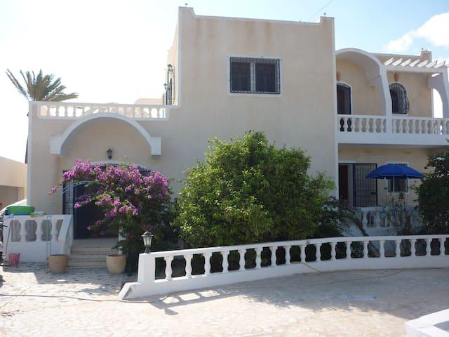 Villa de 350 m2 avec piscine sans vis à vis Djerba - Djerba Midun