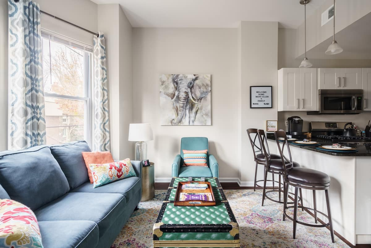 Upmarket Mount Airy Apartment close to Chestnut Hill