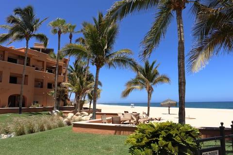Beachfront at its finest @ San Jose del Cabo! 🤩🏄🏼♂️🏖