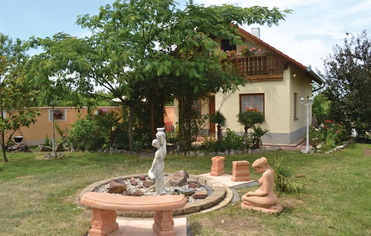 Holiday cottage with 3 bedrooms on 75m² in Zamárdi