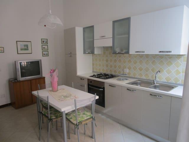 Appartamento in Affitto Carloforte (119) - Carloforte - Huoneisto