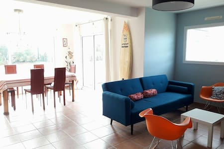 Sunny house close to surfing beaches - Erdeven - Casa