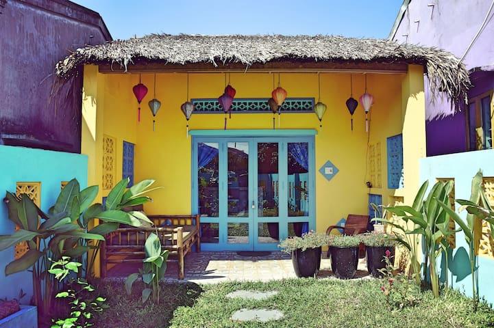 Happy Bird's Beach House - Comfortable & Private