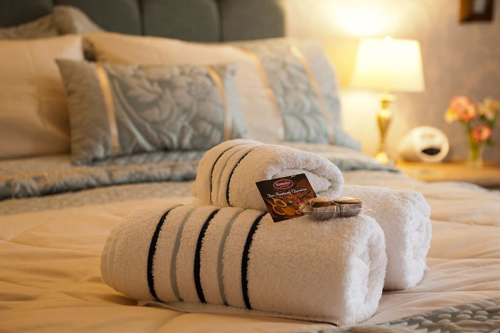 Quality bed linen and towels.