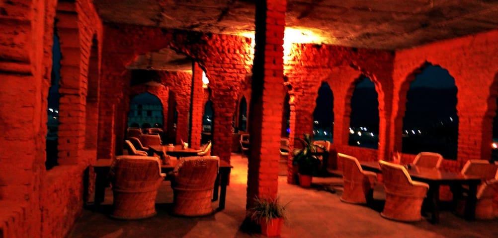 Sun N Moon - Pushkar - Bed & Breakfast