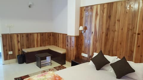 The Aura- a homely stay (serviced apartment II)