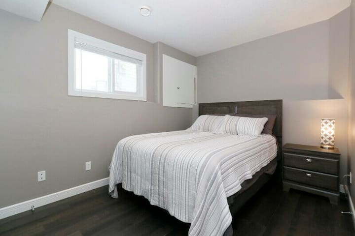 Comfortable Queen bed in modern home lower#2