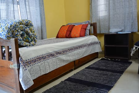 homestay for Female @ airport&train-station