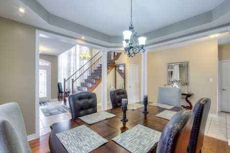 Gorgeous 6 Bedroom Brampton Home (Toronto - GTA)