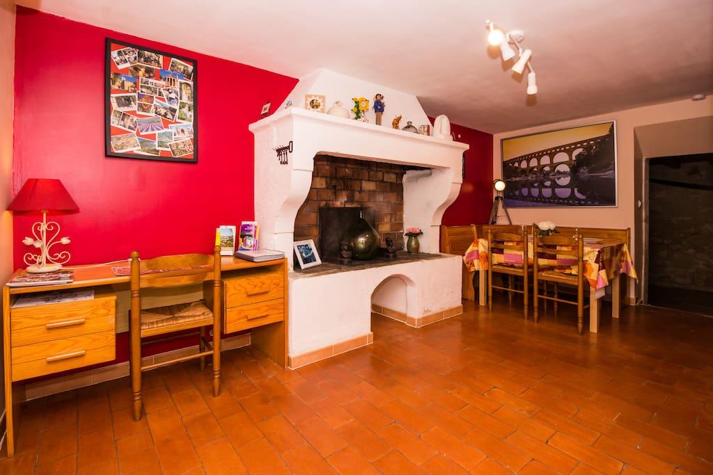 Maison tout confort dans le centre historique maisons - Le bon coin location salon de provence ...