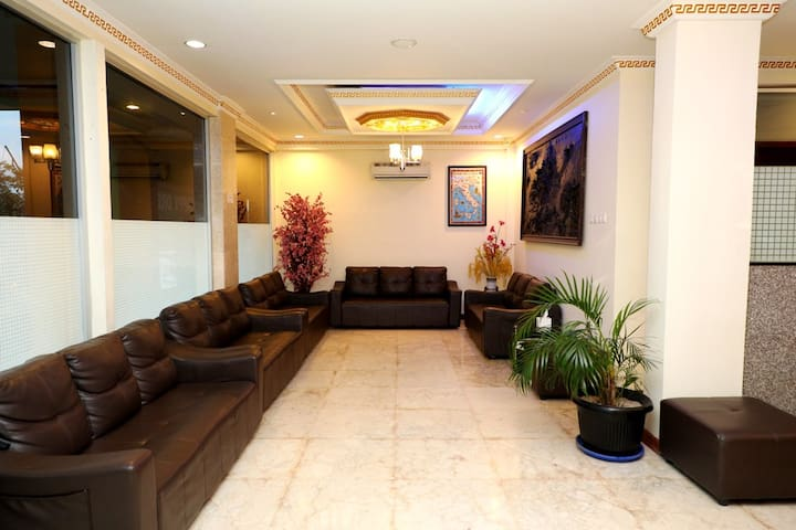 1 BR, Budget Hotel, 10 min from Batam Center