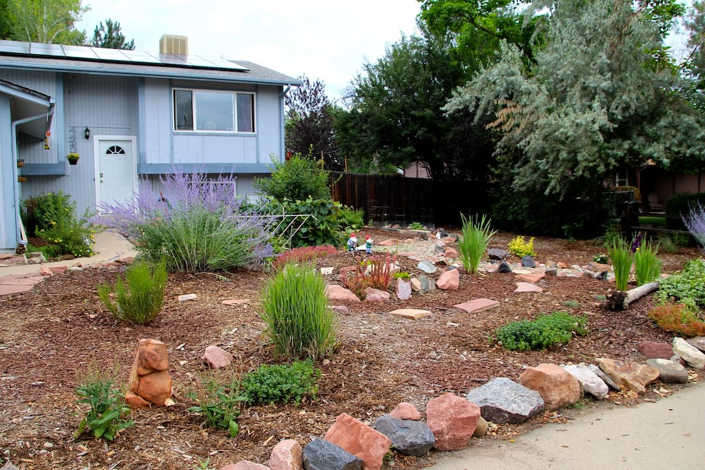 We have lots of outdoor space to enjoy! Enjoy all that the Twin Lakes Neighborhood has to offer.