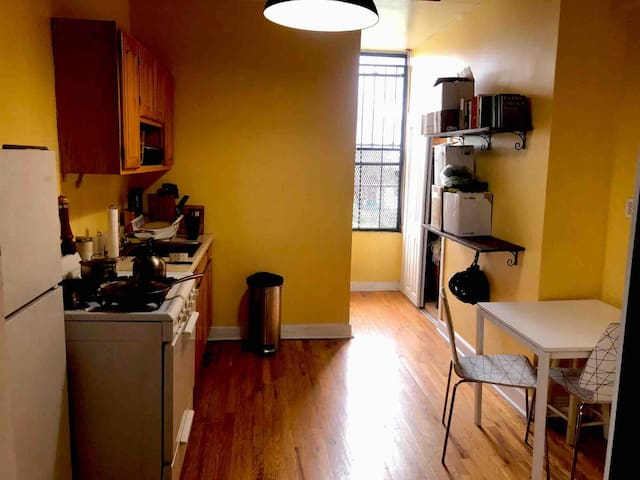 Bedroom in charming 2BR steps from subway in Wburg