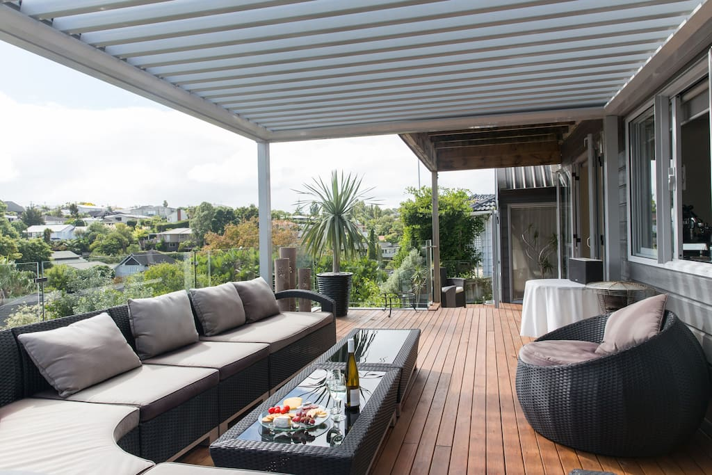 A wide, north-facing deck for soaking up the sun and taking in the views.