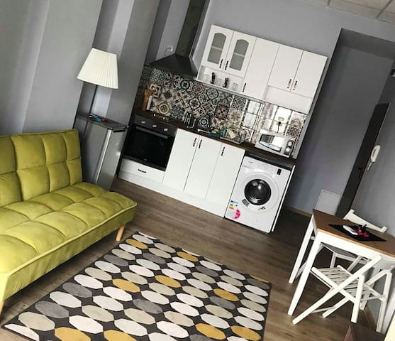 Модерното бяло студио
