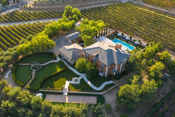 *New Listing Discount* Pool & Vineyard Views ❤ Eden by AvantStay